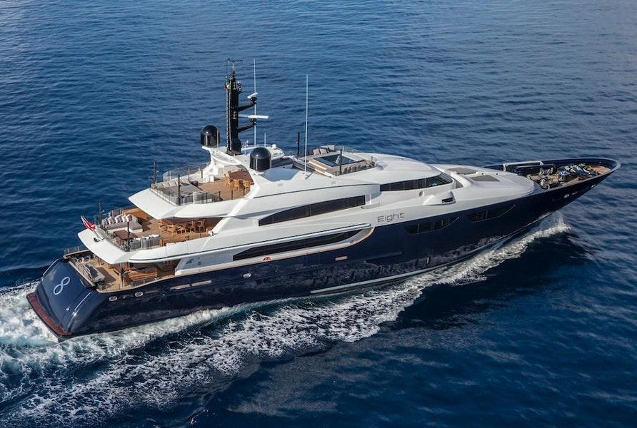 Photo of 2005 CRN 46 Magnifica (EIGHT)